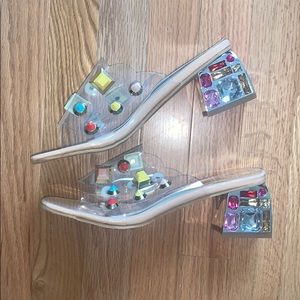 Boutique NWOT❗️Jing Pin Jeweled Sandals